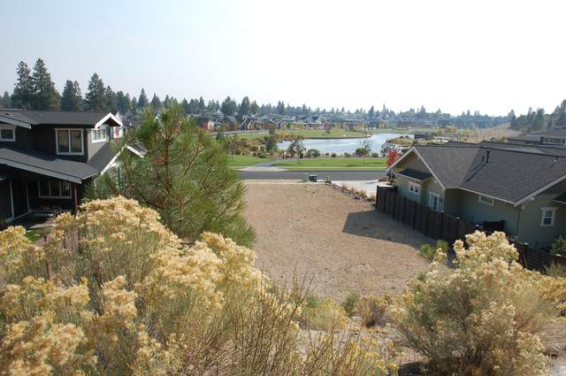 2772 NW Shields Drive, Bend, OR 97703 (MLS #220110410) :: Coldwell Banker Sun Country Realty, Inc.