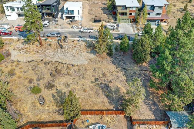 1433 NW Ogden Avenue, Bend, OR 97703 (MLS #220110503) :: The Payson Group