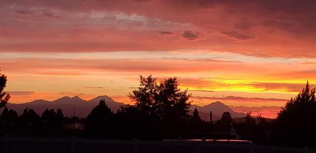 61885 Ward Road, Bend, OR 97702 (MLS #220110508) :: Central Oregon Home Pros