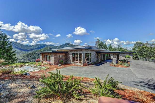 3711 Foothill Boulevard, Grants Pass, OR 97526 (MLS #220110510) :: Premiere Property Group, LLC