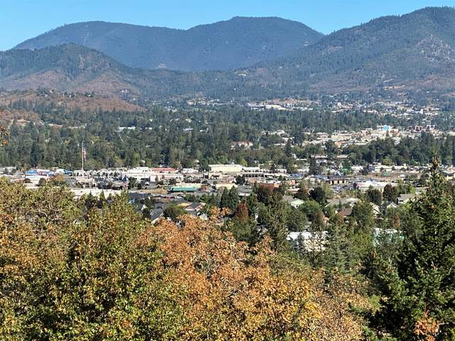 2931 Harbeck Road, Grants Pass, OR 97527 (MLS #220110532) :: The Payson Group