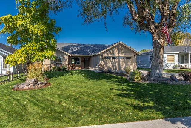 607 NE Ochoco Avenue, Prineville, OR 97754 (MLS #220110547) :: Vianet Realty