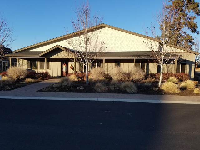 192 E Tall Fir Court, Sisters, OR 97759 (MLS #220110568) :: Fred Real Estate Group of Central Oregon