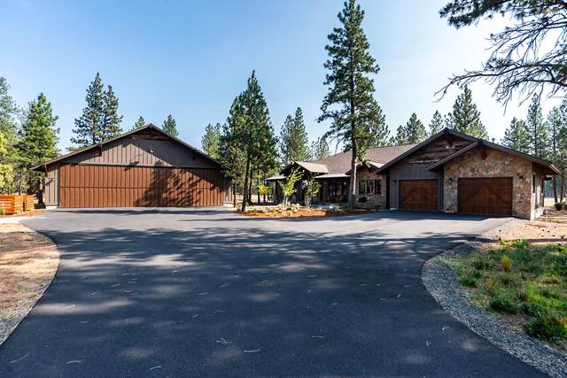 15845 Pilot Drive, Sisters, OR 97759 (MLS #220110598) :: Fred Real Estate Group of Central Oregon