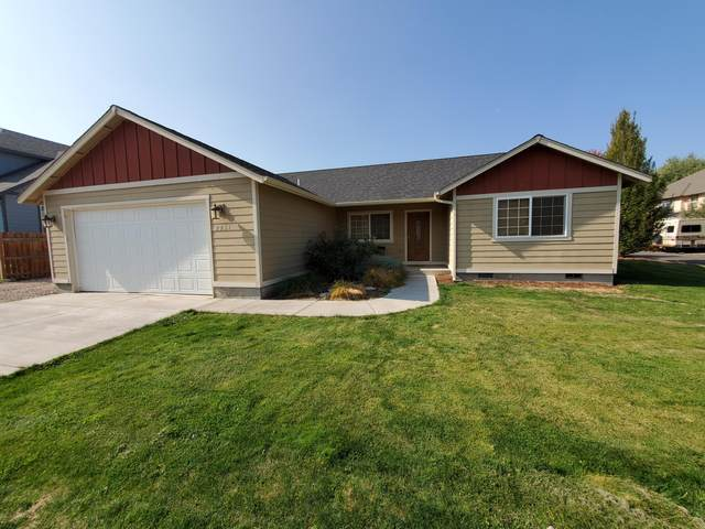 2251 NE Nez Perce Court, Redmond, OR 97756 (MLS #220110599) :: The Ladd Group