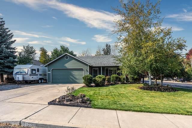 2451 NE Moonlight Drive, Bend, OR 97701 (MLS #220110715) :: Rutledge Property Group