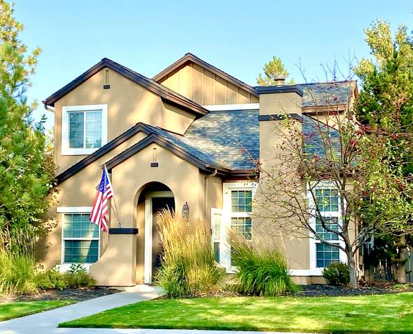 61558 Devils Lake Drive, Bend, OR 97702 (MLS #220110745) :: Rutledge Property Group