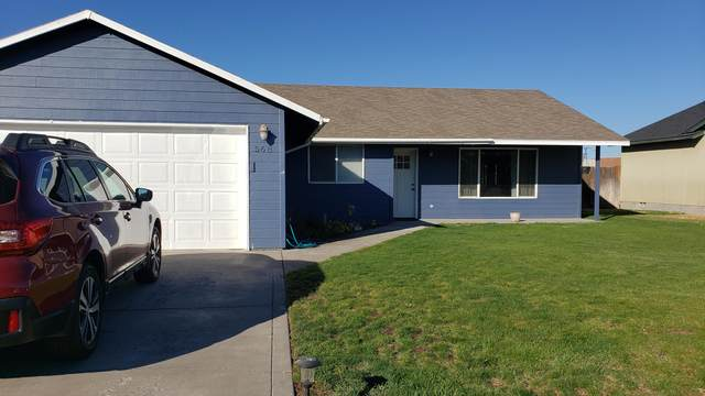 568 SE Romero Court, Madras, OR 97741 (MLS #220110806) :: Top Agents Real Estate Company