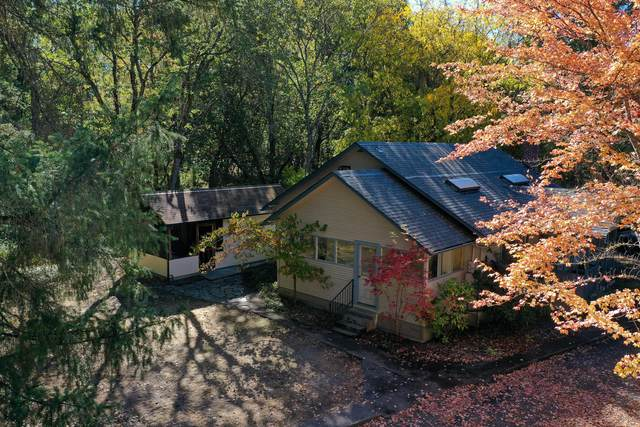 3755 New Hope Road, Grants Pass, OR 97527 (MLS #220110882) :: The Ladd Group