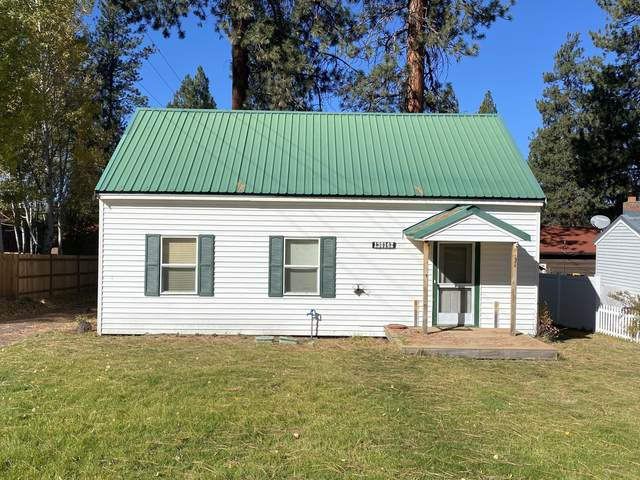138142 Hillcrest Street, Gilchrist, OR 97737 (MLS #220110894) :: Coldwell Banker Sun Country Realty, Inc.
