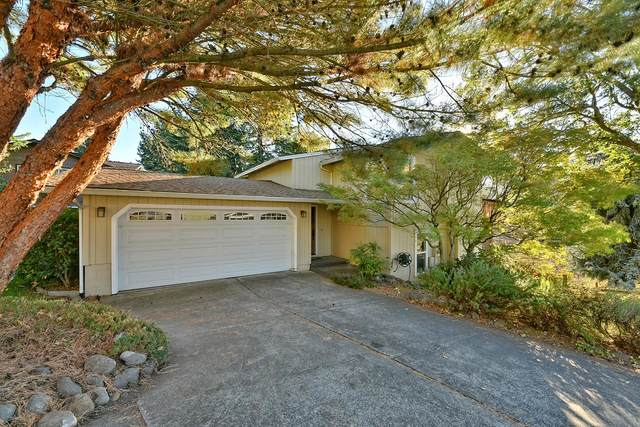 395 Oxford Street, Ashland, OR 97520 (MLS #220110903) :: Bend Relo at Fred Real Estate Group