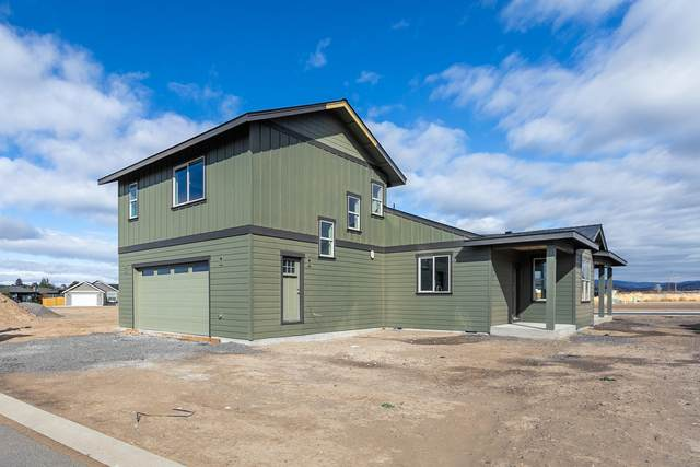 877 NE Discovery Loop, Prineville, OR 97754 (MLS #220110922) :: Top Agents Real Estate Company