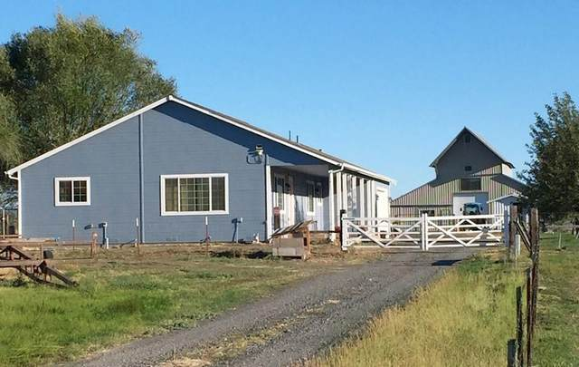 667 Day School Road, Chiloquin, OR 97624 (MLS #220110943) :: The Payson Group