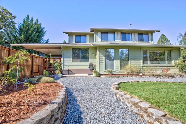 1503 NW B Street, Grants Pass, OR 97526 (MLS #220110985) :: The Payson Group