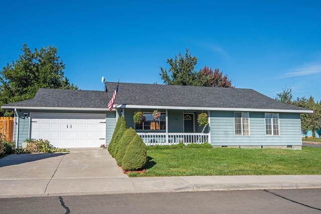 1112 SW Kenwood Drive, Madras, OR 97741 (MLS #220110999) :: Top Agents Real Estate Company