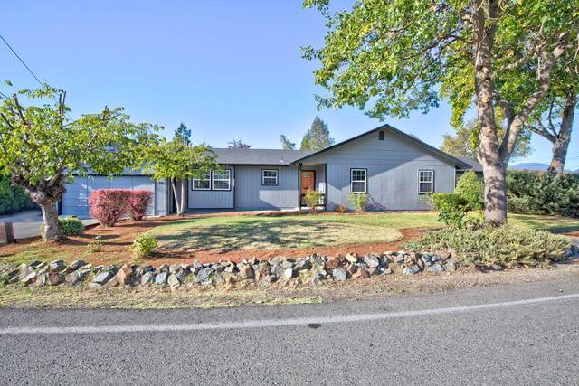 1380 Wineteer Lane, Grants Pass, OR 97527 (MLS #220111021) :: The Payson Group