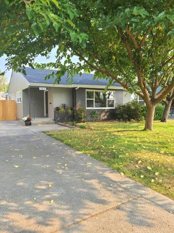 507 NE Dean Drive, Grants Pass, OR 97526 (MLS #220111022) :: The Payson Group