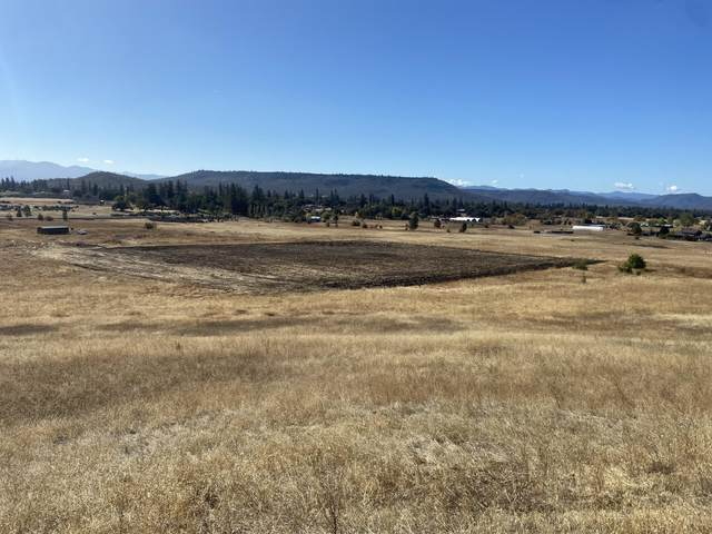 3158 Highway 234, White City, OR 97503 (MLS #220111025) :: The Ladd Group