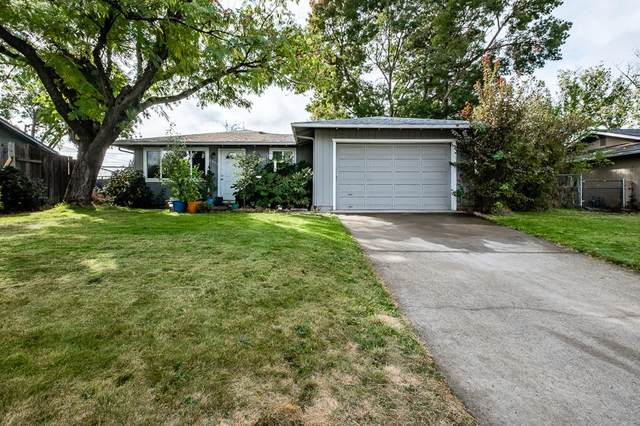 2856 Village Boulevard, White City, OR 97503 (MLS #220111050) :: The Payson Group