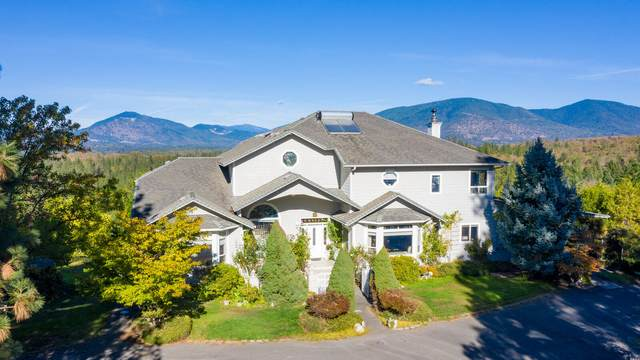 425 Palos Verdes Drive, Grants Pass, OR 97526 (MLS #220111054) :: The Payson Group