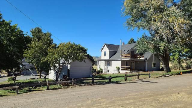 2304 Emerald, Klamath Falls, OR 97601 (MLS #220111061) :: The Payson Group