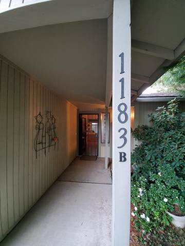 1183 Progress Drive Apt B, Medford, OR 97504 (MLS #220111089) :: The Ladd Group