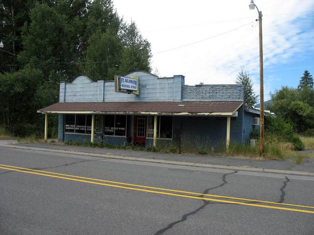 52626 Highway 62, Fort Klamath, OR 97626 (MLS #220111090) :: Top Agents Real Estate Company