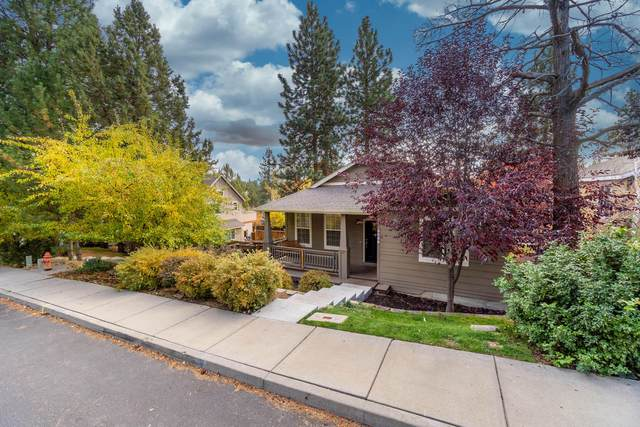 2201 NW Torrey Pines Drive, Bend, OR 97701 (MLS #220111107) :: The Payson Group