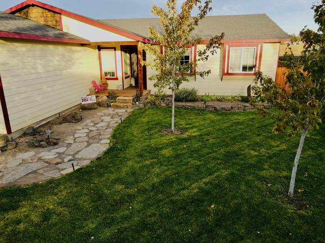 9090 Boxwood Lane, Terrebonne, OR 97760 (MLS #220111112) :: Vianet Realty
