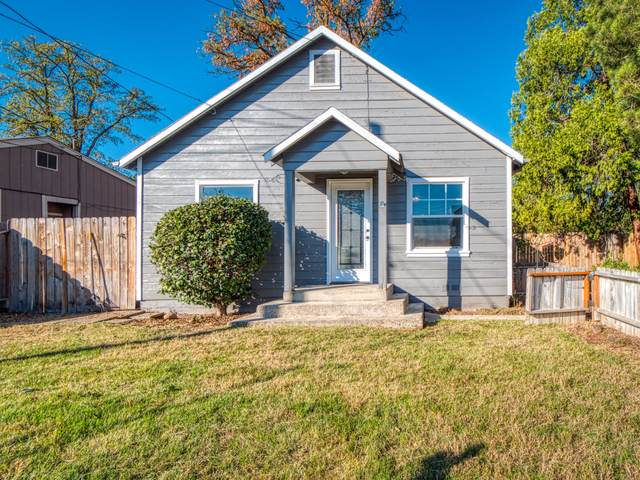 224 Freeman Road, Central Point, OR 97502 (MLS #220111136) :: The Ladd Group