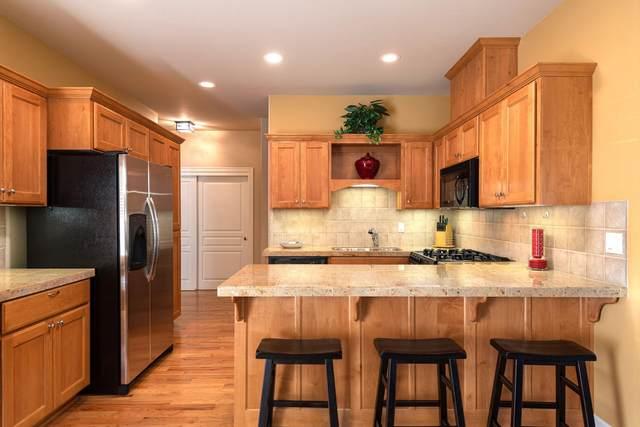 19322 SW Laurelhurst Way, Bend, OR 97702 (MLS #220111177) :: Fred Real Estate Group of Central Oregon