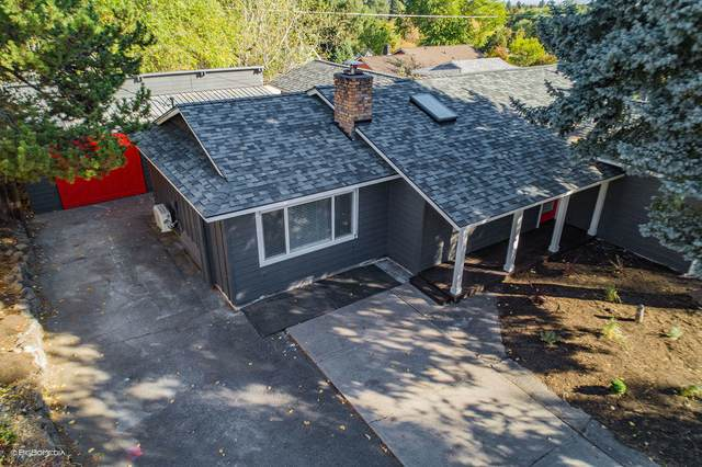 1382 NE Drost Drive, Bend, OR 97701 (MLS #220111192) :: The Payson Group