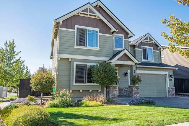 63101 Dakota Drive, Bend, OR 97701 (MLS #220111208) :: Rutledge Property Group