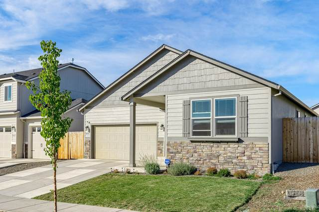 3433 Durst Street, Medford, OR 97504 (MLS #220111233) :: The Payson Group