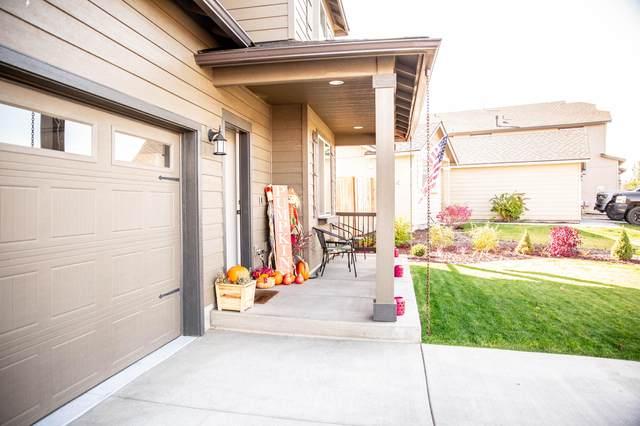 3520 SW Pumice Stone Avenue, Redmond, OR 97756 (MLS #220111274) :: Stellar Realty Northwest