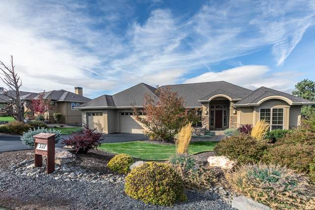 537 Highland Meadow Loop, Redmond, OR 97756 (MLS #220111296) :: Berkshire Hathaway HomeServices Northwest Real Estate