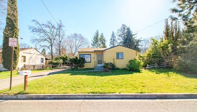 1648 Homes Avenue, Ashland, OR 97520 (MLS #220111318) :: Bend Relo at Fred Real Estate Group