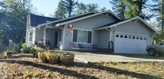 975 Waldo Road, O'Brien, OR 97534 (MLS #220111366) :: Stellar Realty Northwest