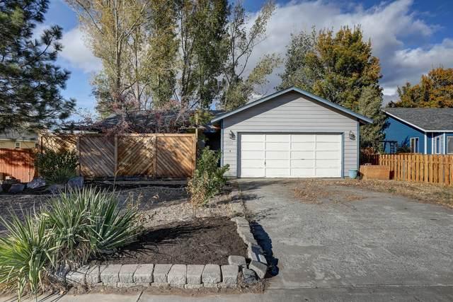 2437 SW Fissure Loop, Redmond, OR 97756 (MLS #220111369) :: Vianet Realty