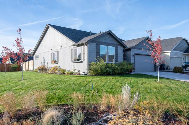 788 NE Redwood Court, Redmond, OR 97756 (MLS #220111378) :: Coldwell Banker Sun Country Realty, Inc.