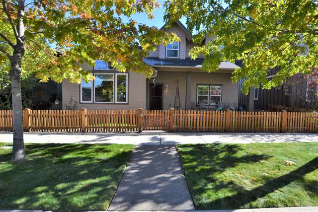 61706 Darla Place, Bend, OR 97702 (MLS #220111386) :: Central Oregon Home Pros