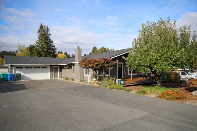2094 Montgomery Lane, Grants Pass, OR 97527 (MLS #220111391) :: The Payson Group