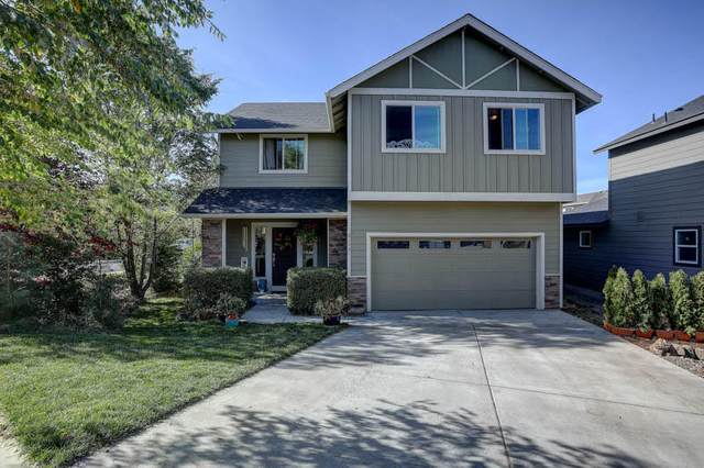 61531 Aaron Way, Bend, OR 97702 (MLS #220111404) :: The Payson Group