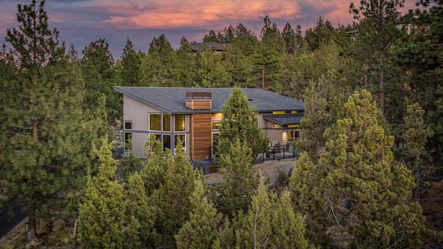 3305 NW Panorama Drive, Bend, OR 97703 (MLS #220111422) :: Windermere Central Oregon Real Estate