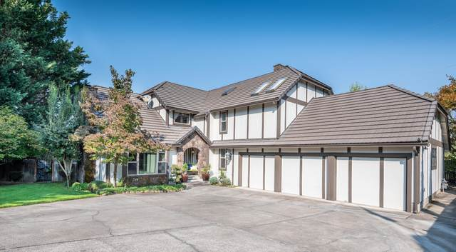 144 Oxford Place, Medford, OR 97504 (MLS #220111443) :: Premiere Property Group, LLC