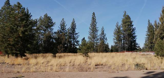 61949 Hosmer Lake Drive, Bend, OR 97702 (MLS #220111447) :: Berkshire Hathaway HomeServices Northwest Real Estate