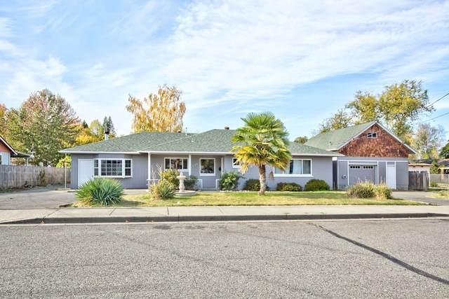 1924 SW Nebraska Avenue, Grants Pass, OR 97527 (MLS #220111449) :: Berkshire Hathaway HomeServices Northwest Real Estate
