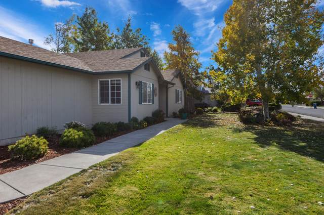 3668 SW Bobby Jones Court, Redmond, OR 97756 (MLS #220111471) :: Berkshire Hathaway HomeServices Northwest Real Estate