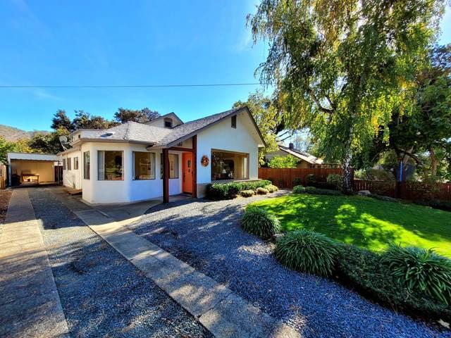 1341 NW Lawnridge Avenue, Grants Pass, OR 97526 (MLS #220111515) :: Stellar Realty Northwest