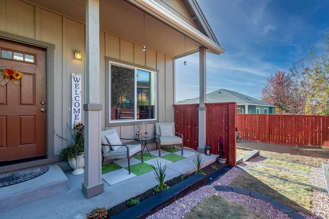 1295 NW 15th Court, Redmond, OR 97756 (MLS #220111616) :: The Ladd Group